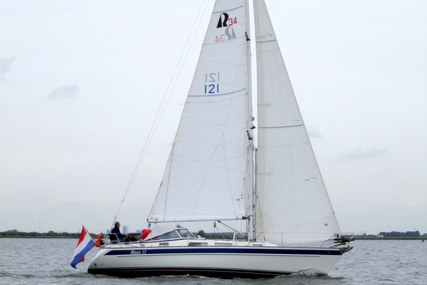 Hallberg-Rassy 34 for sale in Netherlands for €85,000 (£73,824)