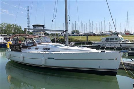 Beneteau Oceanis 323 Clipper for sale in United Kingdom for £48,500