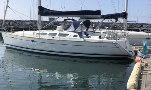 Image of Jeanneau Sun Odyssey 40.3 for sale in Portugal for €89,000 (£76,659) Portugal