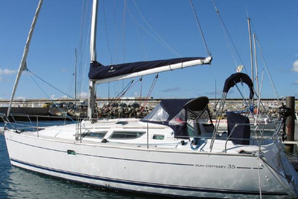 Jeanneau Sun Odyssey 35 for sale in Portugal for €65,000 (£56,431)