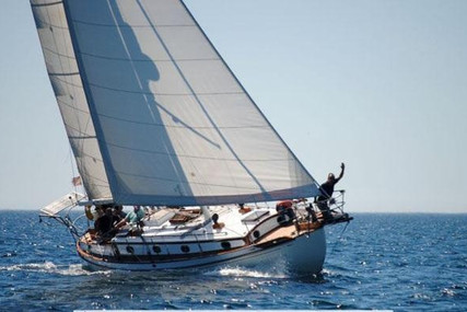 Tayana 37 Cutter for sale in Portugal for €69,000 (£59,595)