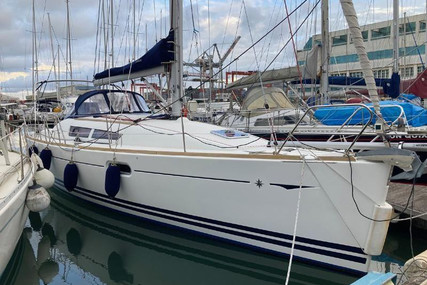 Jeanneau Sun Odyssey 36i for sale in Portugal for €85,000 (£73,901)