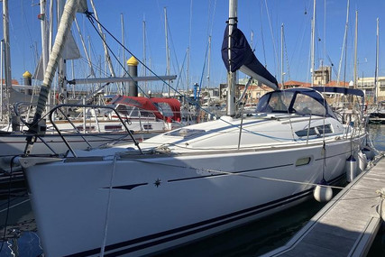 Jeanneau Sun Odyssey 39i for sale in Portugal for €91,000 (£79,117)