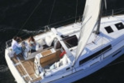 Beneteau Oceanis 35.1 for sale in France for €126,480 (£109,551)