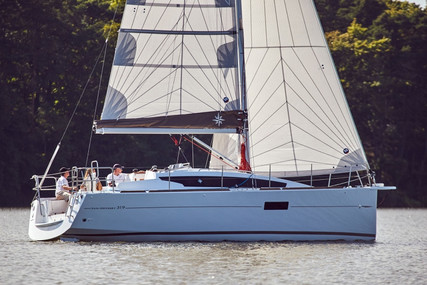 Jeanneau Sun Odyssey 319 for sale in Belgium for €104,000 (£90,290)