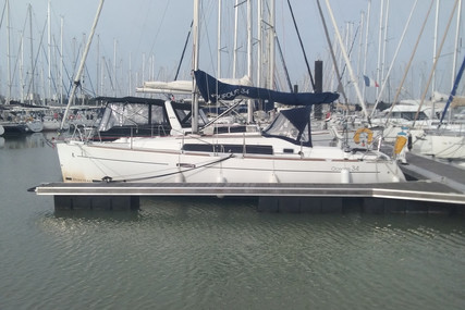 Beneteau Oceanis 34 for sale in France for €69,000 (£59,765)