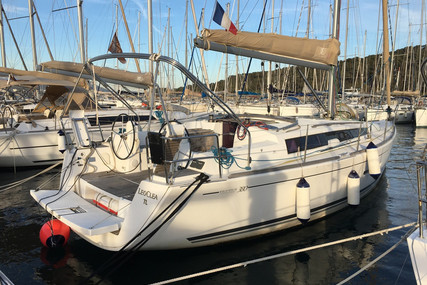 Dufour Yachts 380 Grand Large for sale in France for €95,000 (£81,682)