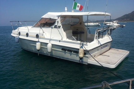 Azimut Yachts 28 for sale in Italy for €25,000 (£21,557)