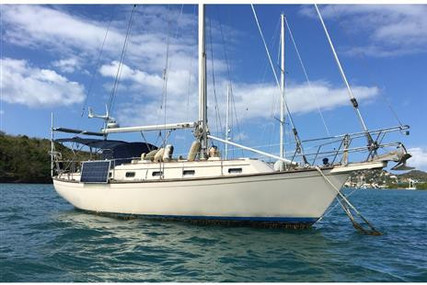 Island Packet 37 for sale in Saint Vincent and the Grenadines for $99,500 (£70,307)