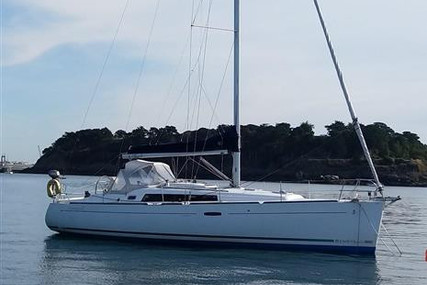 Beneteau Oceanis 37 for sale in France for €74,000 (£64,223)