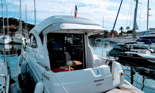 Image of Beneteau Antares 30 S for sale in France for €139,000 (£119,291) Var, Mer Méditerranée, , France