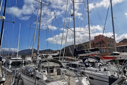 Dufour Yachts 56 Prestige for sale in France for €129,000 (£111,957)