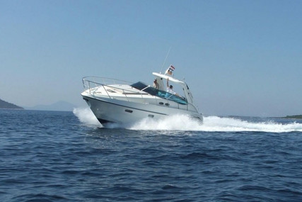Sealine S38 for sale in France for €124,500 (£107,046)