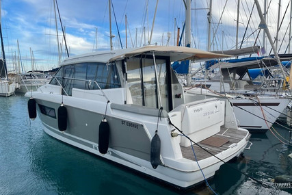 Jeanneau NC 9 for sale in France for €120,000 (£103,361)
