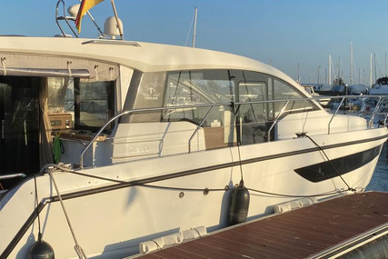 Sealine 330 HT for sale in Germany for €249,900 (£215,318)
