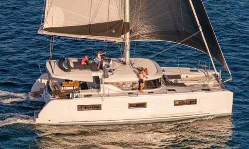 Image of Lagoon 46 for sale in France for €527,640 (£453,669) Hyères, , France