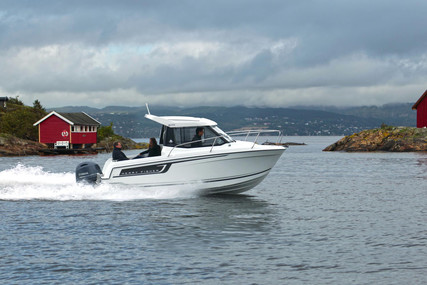 Jeanneau Merry Fisher 605 for sale in France for €41,000 (£35,326)