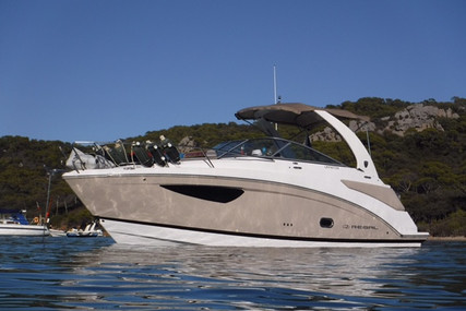 Regal 26 Express for sale in France for €89,000 (£77,108)