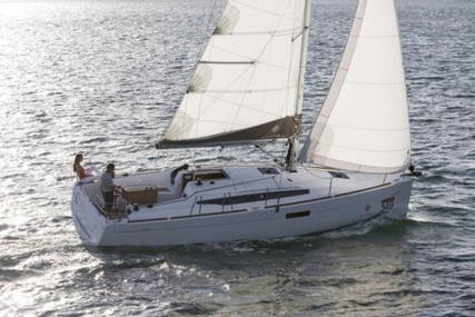 Jeanneau Sun Odyssey 349 for sale in France for €166,212 (£143,311)