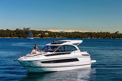 Jeanneau Leader 33 for sale in France for €296,000 (£257,291)