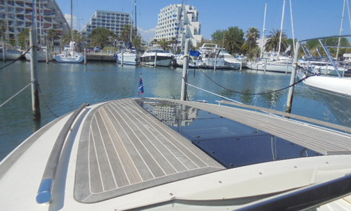 Image of Chris-Craft Corsair 32 for sale in France for €179,000 (£155,404) LA GRANDE MOTTE, LA GRANDE MOTTE, , France
