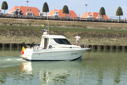Rodman 810 for sale in France for €39,000 (£33,945)
