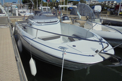 Jeanneau Cap Camarat 7.5 Cc for sale in France for €52,900 (£45,484)