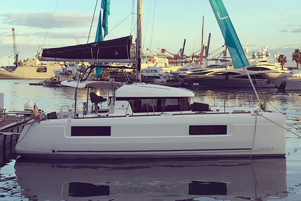 Lagoon 40 for sale in Spain for €405,350 (£349,500)