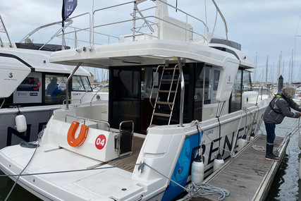 Beneteau SWIFT TRAWLER 41 FLY for sale in France for €476,600 (£410,954)