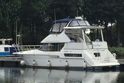 Carver Yachts 355 for sale in France for €54,000 (£46,560)