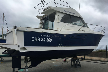 Beneteau Antares 9 for sale in France for €38,000 (£32,991)