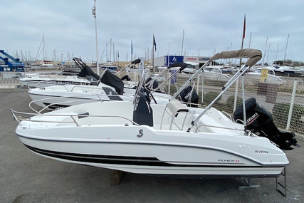 Beneteau Flyer 5.5 Spacedeck for sale in France for €31,900 (£27,750)