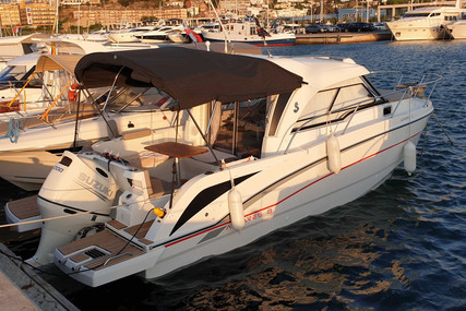 Beneteau Antares 8 OB for sale in France for €64,900 (£56,425)