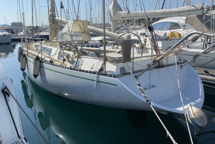 Artecna DELPH 44 for sale in France for €41,000 (£35,297)