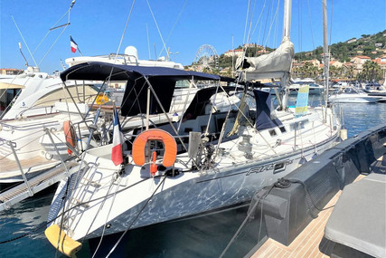 Beneteau First 456 for sale in France for €69,000 (£59,904)