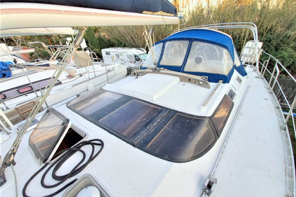 Beneteau Oceanis 430 for sale in France for €55,000 (£47,350)