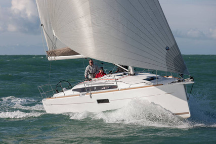 Jeanneau Sun Odyssey 349 Lifting Keel for sale in France for €157,000 (£135,090)