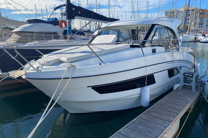 Beneteau Antares 9 for sale in France for €129,500 (£112,429)