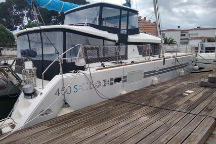 Lagoon 450 S for sale in France for €460,000 (£396,217)