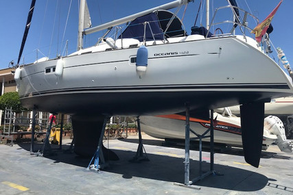 Beneteau Oceanis 423 for sale in Spain for €98,000 (£84,369)