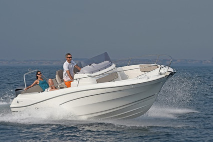 Jeanneau Cap Camarat 7.5 Cc for sale in France for €63,700 (£54,926)