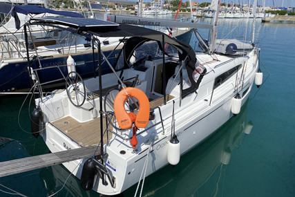 Beneteau Oceanis 30.1 for sale in Croatia for €99,000 (£85,121)