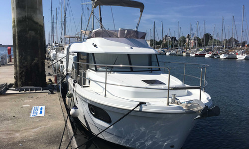 Image of Beneteau Swift Trawler 30 for sale in France for €188,000 (£161,764) LORIENT, LORIENT, , France