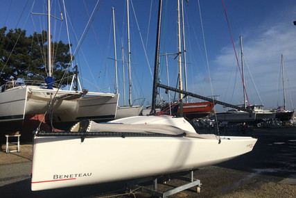 Beneteau First 18 for sale in France for €25,000 (£21,760)