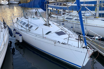 Beneteau First 41S5 for sale in France for €55,000 (£47,734)