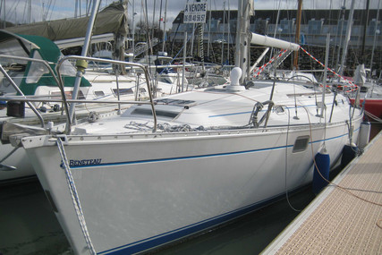 Beneteau Oceanis 400 for sale in France for €69,500 (£59,863)