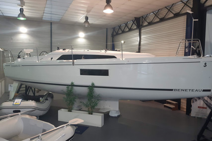 Beneteau Oceanis 30.1 for sale in France for €129,000 (£110,298)