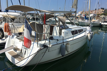 Jeanneau Sun Odyssey 30 I for sale in France for €54,000 (£46,882)