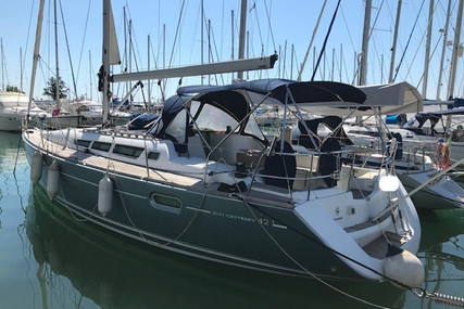 Jeanneau Sun Odyssey 42i for sale in France for €113,000 (£97,436)