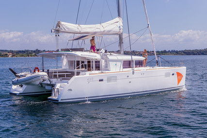 Lagoon 450 for sale in Greece for €410,000 (£352,968)